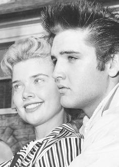 Elvis and Yvonne Lime at Graceland, April Priscilla Presley, Lisa Marie Presley, Graceland, Elvis Today, Divas, Young Elvis, Star Wars, Elvis Presley Photos, Vintage Glamour