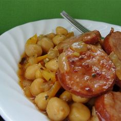 Cuban Smoked Sausage with Chickpeas Cuban Recipes, Pork Recipes, Dinner Recipes, Cooking Recipes, Dinner Ideas, Chickpea Recipes, Lentil Recipes, Smoked Sausage Recipes, Smoked Sausages