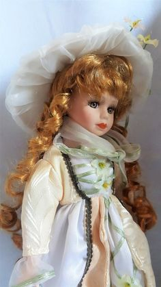 Vintage Doll From / French Doll In Plaster And Tissue Beige Dresses, Antique Items, Light Beige, Plaster, Statues, Gifts For Kids, Best Gifts, My Etsy Shop, Porcelain