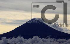 Volcano Popocateptl/Volcán Popocatepetl   Contraluz Producciones.