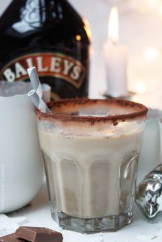 Baileys Mochatini von Dreierlei Liebelei Coffee Art, Coffee Shop, Baileys, Java, Happy Hour, Cheers, Caramel, Desserts, Bacon