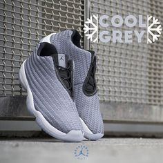 #jumpman23 #airjordan #coolgrey #futurelow #airjodan #michaeljordan #23 #sneakerbaas #baasbovenbaas  Air Jordan Future Low - The Cool Grey colorway is used on several Jordan silhouettes and now is Future Low the lucky one to get an update!. The Future Low also got a woven pattern which makes it a cool, light-weight sneaker.  Now online available | Priced at 129.95 EU | Men Sizes 40.5- 46 EU