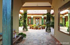 Caracao house from The Bachelorette-courtyard