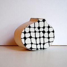 Jarrón de porcelana pequeño con patrón serigrafiado bajo