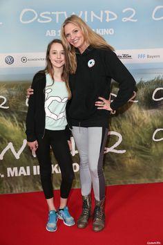 © 2015 Constantin Film Verleih GmbH  Nicole Belstler-Boettcher und ihre Tochter Thalia Deutschlandpremiere von Ostwind 2 im Mathäser Kino in München am 03.05.2015