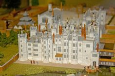 A model of the now lost royal apartments of Richmond Palace on display at the Museum of Richmond. Richmond Palace, Castles In England, Tudor Era, Royal Residence, British History, Local History, Historical Architecture, Models, Surrey