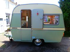Vintage Caravan | Thomson Mini Glen | Retro | Classic | Restored
