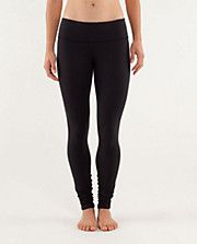 🌟NEW ITEM🌟 Lululemon High Rise Wunder Under Black Size 6 - In Excellent Like New Condition/ Never Worn but Tags Removed. They are Luxtreme so most women wear a size larger in these ♥️ lululemon athletica Pants Leggings Crossfit Clothes, Workout Attire, Workout Gear, Under Pants, Running Tights, Running Gear, Friend Outfits, Wunder Under, Athletic Outfits