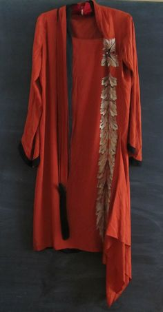 1920 French Couture Callot Soeurs silk flapper dress embroidery. Front