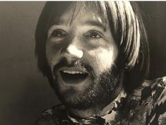 Peter in 1968 by nurit wilde Pisces And Aquarius, Peter Tork, Birds And The Bees, Davy Jones, The Monkees, Music Tv, True Love, Good Times, Che Guevara