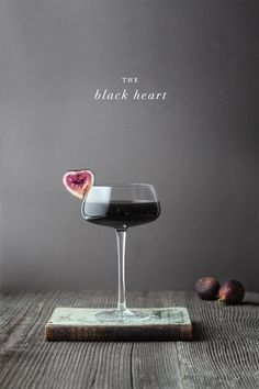 Pick Your Poison: Creepy Halloween Cocktails. The Black Heart, with Black vodka, Fig vodka, and Creme de Cassis Party Drinks, Cocktail Drinks, Cocktail Recipes, Alcoholic Drinks, Cocktail Desserts, Cocktail Glass, Halloween Cocktails, Halloween Parties, Holiday Parties