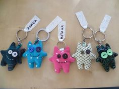I have to make these...they are too adorable!  #monster #keychain #craft #diy