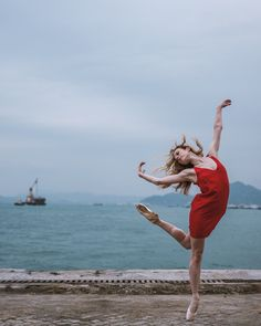 Impressive Ballet Dancers in the Streets of Hong Kong