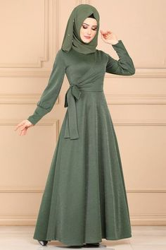 Mode Abaya, Muslim Women Fashion, Long Gown Dress, Hijab Fashion Inspiration, Muslim Dress, Latest African Fashion Dresses, Abaya Fashion, Saris, Stylish Dresses