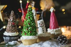 Majestic 17 Ideas for Wonderful Christmas Cupcake Frosting https://mybabydoo.com/2017/12/14/wonderful-christmas-cupcake-frosting/ Looking for a recipe for Christmas day is sometimes tiring. But worry no more,you can always make a simple Christmas Cupcakes for this special day.