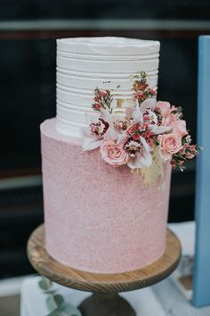 Pink & White Iced Wedding Cake By The Sparkling Spatula // Image By Poppy Carter Portraits