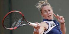 Pauline Parmentier s'est qualifiée pour les quarts de finale du tournoi de Strasbourg grâce à sa victoire sur l'Américaine Sloane Stephens (6-3, 1-6, 6-4) - Mai 2016