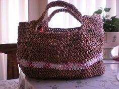 Recycled Plastic grocery bags Plastic Grocery Bags, Yarn Projects, Straw Bag, Recycling, Diy Crafts, Crafty, Mom, Sewing, Knitting