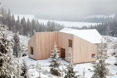 Gallery of Mylla Hytte / Mork-Ulnes Architects - 1