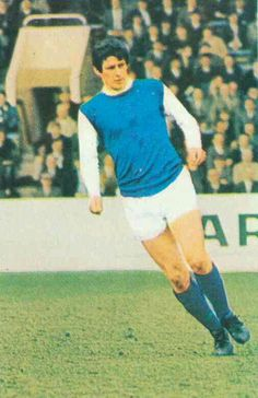 John Ritchie of Sheffield Wed in Sheffield Wednesday Fc, 1960s, Football, Running, Sports, Soccer, Hs Sports, Futbol, Keep Running