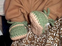 Ravelry: Free Boy's Slippons crochet baby booties pattern pattern by CrochetDreamz #Christmas #thanksgiving #Holiday #quote