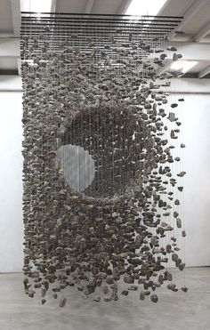 stipha:Jeahyo Lee, Suspended Stone