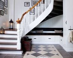 Mal den gamle trappen, den blir som ny for – Happy Homes Norge Stairs, Den, Discovery, Apps, Homes, Home Decor, Google, Image, Walk In
