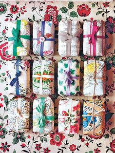 Gift Wrapping Ideas : 'Homemade Gifts Vintage Style' by Sarah Moore Old wrapping paper/wallpaper or bits of fabric tied in string, rafia or ribbon Wrapping Gift, Creative Gift Wrapping, Creative Gifts, Wrapping Ideas, Soap Packaging, Pretty Packaging, Diy And Crafts, Paper Crafts, Foam Crafts