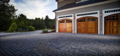 Who says driveways have to be boring? We love the Mega Bergerac pattern within this Old World driveway.