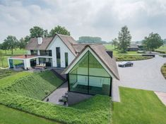 🌟Tante S!fr@ loves this📌🌟Luxe woonhuis te Raalte - Bouwbedrijf Hoogeslag B. Modern Barn House, Modern Mansion, Modern House Design, Different House Styles, Barn Renovation, Mansions Homes, Villa Design, Exterior Design, Modern Architecture