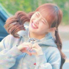 Cool Girl, My Girl, Olivia Hye, Funny Wallpapers, Her Smile, Kpop Girls, Idol, Guys, Couple Photos