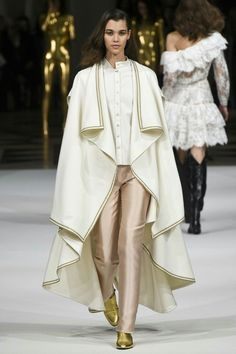 Alexis Mabille Fall 2017 Ready to Wear Fashion Show