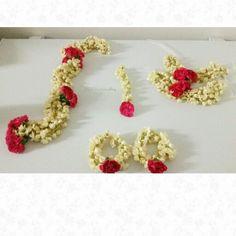 Fresh jasmine jewellery for your #mehndi #flowerjewellery #floraljewellery #bridalflowerjewellery #jasmine #mehndi #mehndijewellery #uk www.bridalflowerjewellery.weebly.com