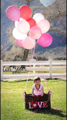 Valentine's Day pictures. Kids photography. Balloons. Www.calizoomphotography.com