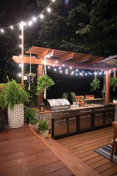 Come and see this amazing DIY outdoor kitchen that we built. I can assure you that my family will spend lots of time out there. Fabulous outdoor kitchen! Diy Patio, Backyard Patio, Outdoor Patios, Patio Decks, Outdoor Ideas, Patio Bar, Outdoor Spaces, Patio Grill, Backyard Landscaping