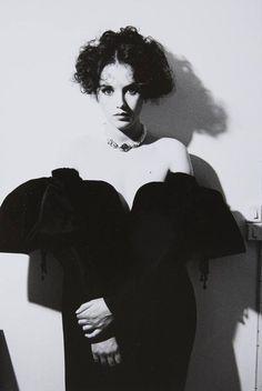 Фотографии Isabelle Yasmine Adjani - Изабе́ль Ясмин Аджани́ – 48 альбомов