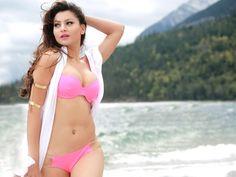 Bollywood's Hottest Bikini Babes of 2016 Sexy Bikini, Bikini Girls, Bikini Babes, Bikini Bod, Pink Bikini, Bikini Beach, New Orleans Saints, Beautiful Celebrities, Beautiful Actresses