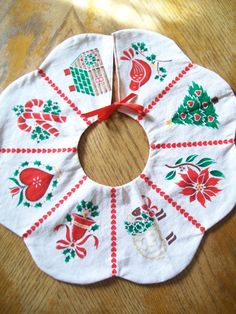 Vintage Christmas Tree Skirt by MelissasCozyCottage on Etsy,