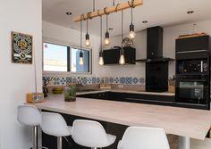 Table, Furniture, Home Decor, Modern Mansion, Kitchens, Interior Design, Home Interior Design, Desk, Tabletop