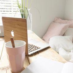 Inspiratiemaandag | Goedemorgen maandag en nieuwe week! Alvast fijne dag toegewenst! * * * * Credits: @inspirationbylau * * * * #inspiratemaandag #inspiratie #interieur #meubels #meubel #meubelonline #wonen #woonaccessoires #design #interieur123 #interieur4all #interieurinspiratie #living #interior #myhome2inspire #interior4you #instahome #styling #livingroom #wooninspiratie #homedeco #homedecoration #homedecor #furnnl #furniture #beautiful #homeandliving #interieuraccessoires