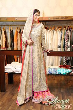Ensemble boutique brought an entire array of exalted bridals by Nomi Ansari to Lahore with an exclusive two day trunk show showcasing the designer's latest 'Ishq' and 'Rang … Pakistani Couture, Pakistani Wedding Dresses, Pakistani Outfits, Indian Dresses, Indian Outfits, Indian Bridal Fashion, Asian Fashion, Desi Bride, Desi Wedding