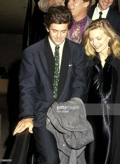 'Out Of Africa' Los Angeles Premiere   Mel Gibson and Michelle Pfeiffer