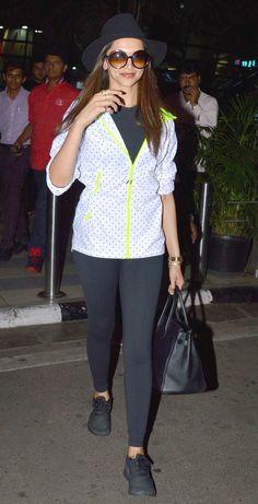 Deepika Padukone sported a chic look at the Mumbai airport. #Bollywood #Fashion #Style #Beauty #Hot #Leggings