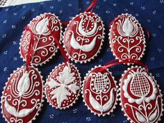Hungarian Embroidery, Christmas Embroidery, Culinary Arts, Decorated Cookies, Royal Icing, Cookie Decorating, Gingerbread, Butter, Cakes