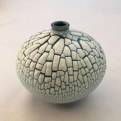 #keramik #vas #krypglasyr #ceramics #crawlingglaze