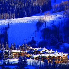 Stein Erikson Lodge...Love it here.....why are we not there this Christmas again???