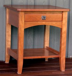 A solid end table unlike anything from your local furniture warehouse. This one features one sidehung dovetailed drawer. Shown in quartersawn white o… Craftsman Style Table, Mission Style End Tables, Wood Projects, Projects To Try, Dovetail Drawers, Entryway Tables, Sweet Home, Dining Table, Woodworking