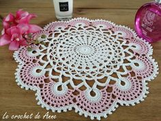 Filet Crochet Charts, Crochet Diagram, Crochet Gloves, Decoration, Bleu Rose, Blog, Etsy, Voici, Home Decor