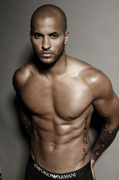 Ricky Whittle is Lincoln in The 100