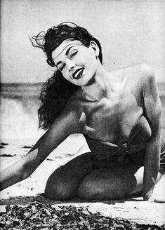 Mara Corday 1954